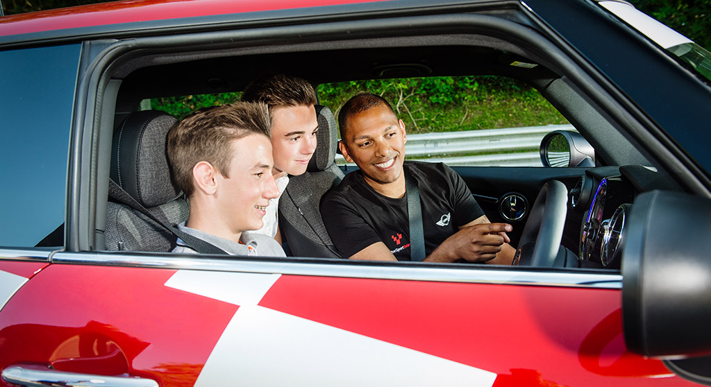YoungDrive! Image 2
